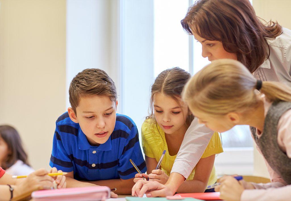 Työskentelyä lasten kanssa